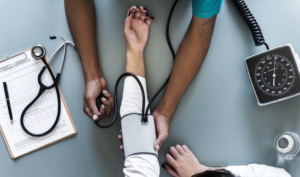 se faire indemniser avec un avocat spécialiste en cas d'erreur médicale par coppet avocats